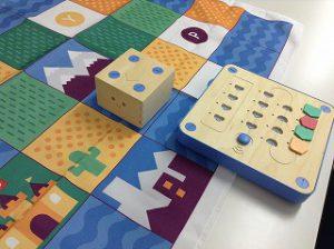 「プログラミングおもちゃ」Cubetto