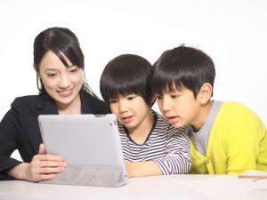 キッズシティは、子ども達のプログラミング教育行っています。個性を活かして創造力や論理的思考力を育むことを目的としています。